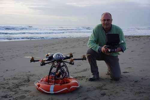 Vízimentő drón felügyeli az olasz strandokat
